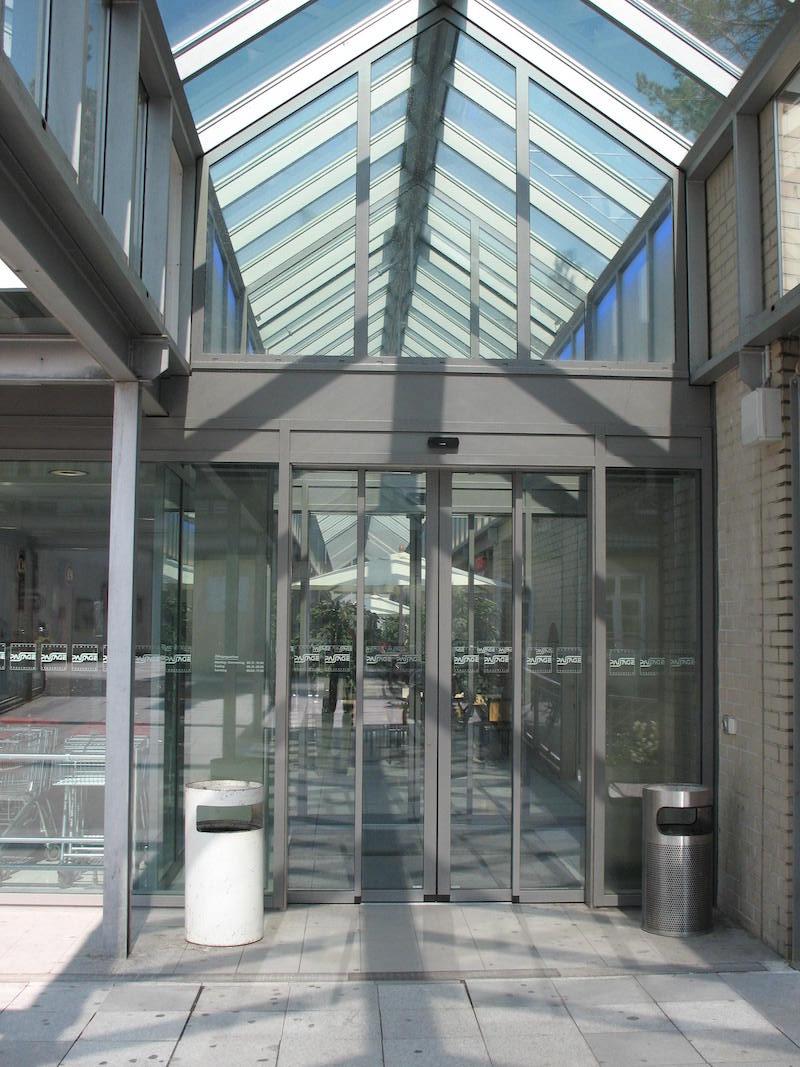 Verglasung, EKZ Passage,F_feld, Eingang