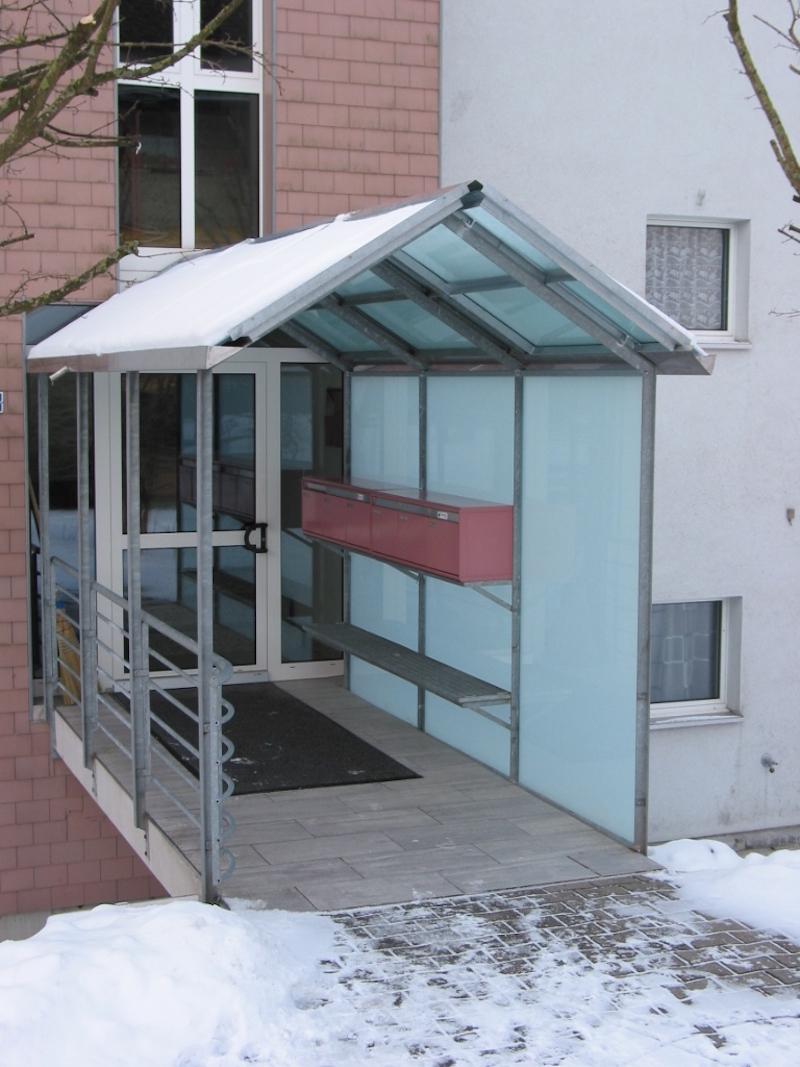 Eingangsvordach, Hauptstr. Bettwiesen_FMT Metallbau AG