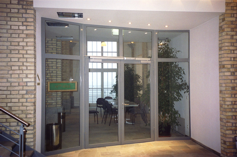 Eingangstür aus Stahl, Golfclub Schloss Goldenberg_FMT Metallbau AG