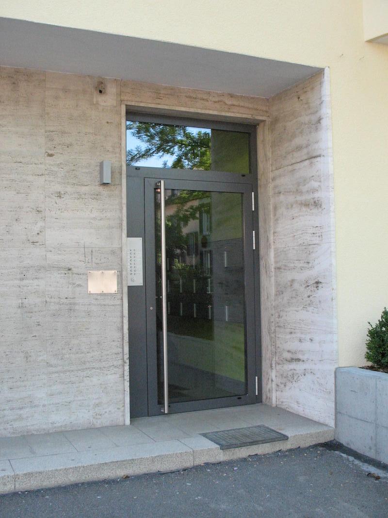 Eingangstür aus Metall, Dufourstr 156_FMT Metallbau AG