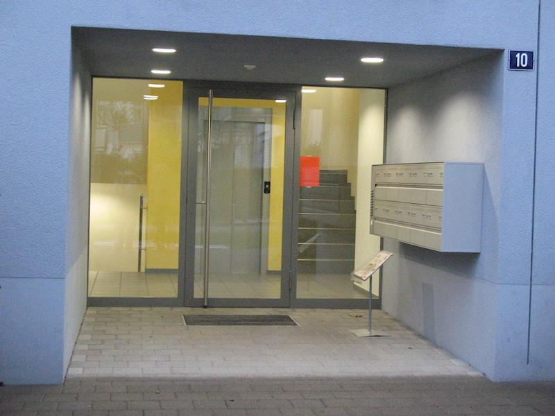 Eingangstür aus Metall, MFH Gruntalstr., WInterthur_FMT Metall Technik AG