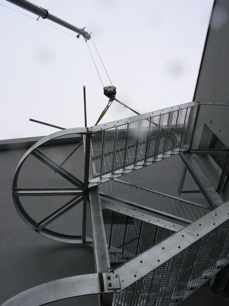 Treppeenturm aus Metall, Schulhaus Gockhausen_FMT Metallbau AG