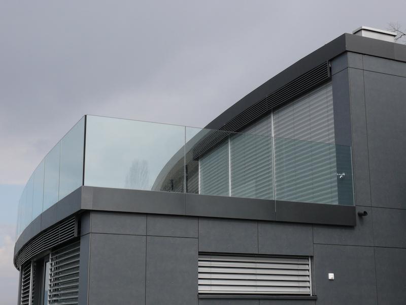 Balkongeländer aus Glas Herrliberg_FMT Metall Technik AG